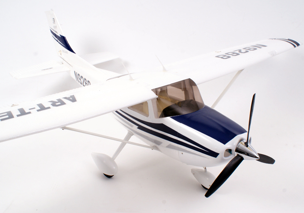 Century UK Art Tech Cessna 182 500 Class
