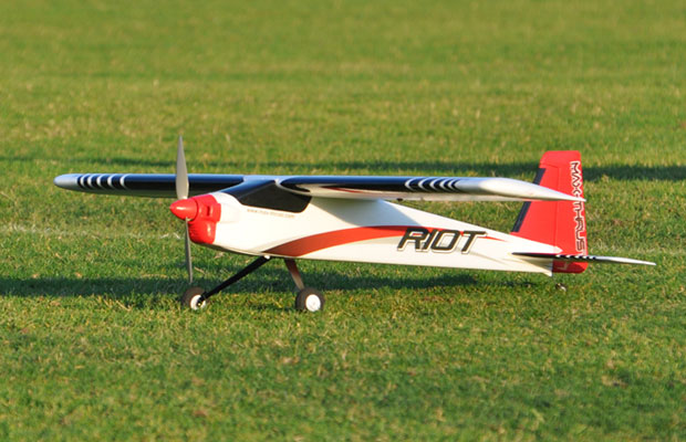 Century UK Max Thrust Riot 500